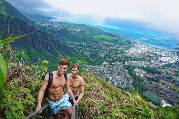 Tom Daley e Dustin Lance Black  sgnaccheri dalle Hawaii  – le foto Instagram