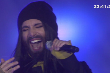 "Conchita Wurst canta ""This Is Me"" da ""The Greatest Showman"" – il video"