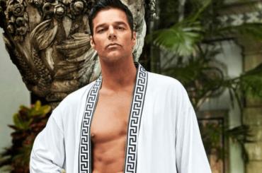 Ricky Martin nudo in doccia nel nuovo trailer di American Crime Story: Versace, il video