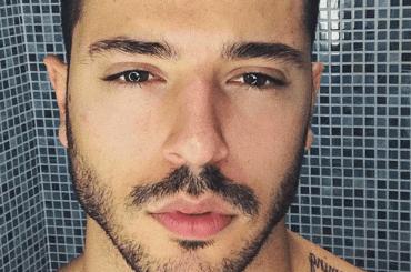 Giuseppe Giofrè  in mutande su Instagram, la foto