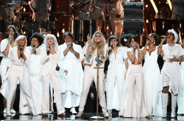 Grammy 2018, Kesha show con Praying  – video