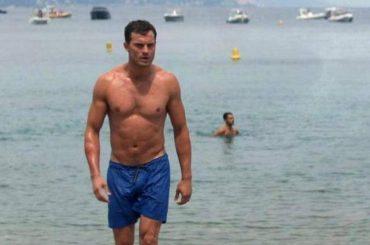 Cinquanta Sfumature di Rosso, niente full frontal per Jamie Dornan: 'non mostrerà un millimetro delle sue parti intime'