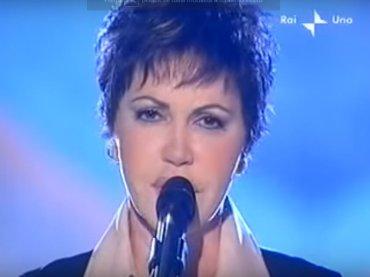 Sanremo 2018, – 9: omaggio ai brani sottovalutati – Accidenti a te di  Fiordaliso