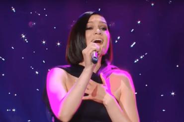 "Jessie J canta ""I Have Nothing"" di Whitney Houston – video"