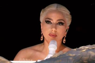 Lady Gaga canta Don't Let Me Be Misunderstood con Brian Newman, AUDIO