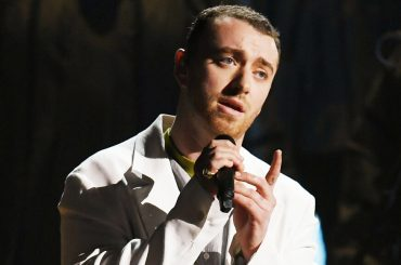 Grammy 2018, Sam Smith live con Pray – video