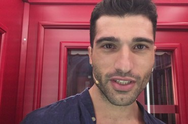 Isola, Franco Terlizzi difeso dal figlio: 'mio padre non è omofobo, i suoi migliori amici sono gay'