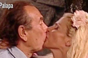 Isola, Francesca Cipriani impazzisce e bacia in bocca Giucas Casella – video e gif
