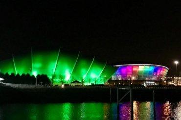 Sam Smith, l'Hydro Arena di Glasgow si fa arcobaleno durante un suo concerto – foto