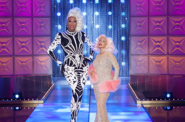 RuPaul's Drag Race 10 è partito, l'ingresso di Christina Aguilera – video