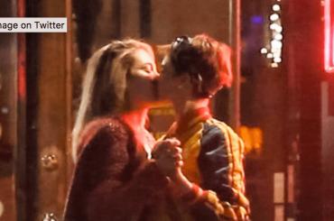 Cara Delevingne e Paris Jackson stanno insieme, le foto