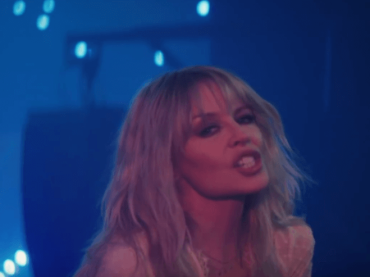 Stop Me from Falling di Kylie Minogue, il video ufficiale