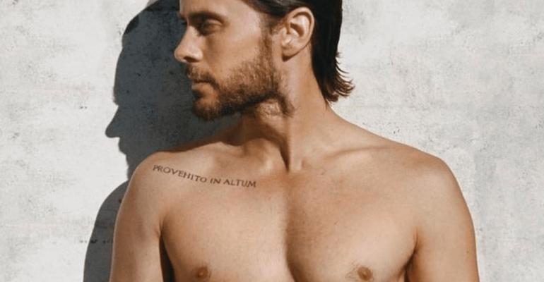 Jared Leto gnocco sbarbato per lanciare il nuovo singolo, foto social