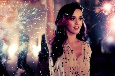 Katy Perry confessa: 'Firework riesco a malapena a  cantarla' – video