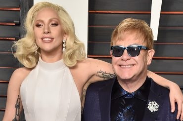 Revamp and Restoration, Lady Gaga, Florence + The Machine & Co. cantano Elton John