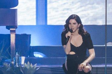 LANA DEL REY show a LOLLAPALOOZA 2018, ecco TUTTO il concerto – video