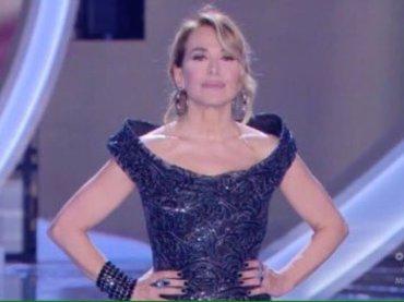 Anna Valle vs. Barbara D'Urso: 'mi ha copiato il vestito, sono sconvolta'