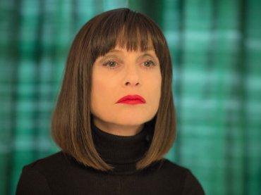 Eva, ISABELLE HUPPERT è una escort nel film con GASPARD ULLIEL – clip in italiano in esclusiva