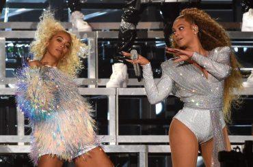 Coachella, Beyoncé torna sul palco con la sorella SOLANGE ma le due si cappottano – il video