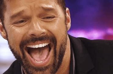 Ricky Martin, è pelo pubico su Attitude – foto