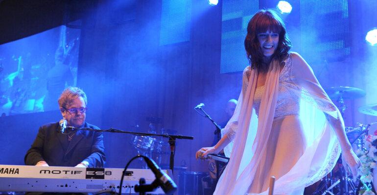 Florence e Miley Cyrus cantano Elton John, audio