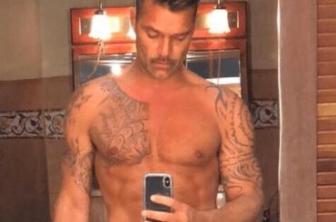 Ricky Martin, selfie social in costume – la foto