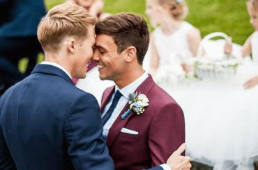 Tom Daley e Dustin Lance Black festeggiano un anno di matrimonio – foto