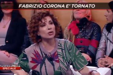 Stasera Italia, volano stracci tra ALDA D'EUSANIO e FABRIZIO CORONA – video