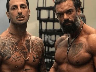 Fabrizio Corona, muscoli e tatuaggi social – foto