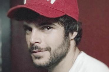 Guglielmo Scilla in mutande, è pacco Instagram – foto