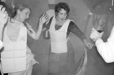 Adele, festa dei 30 anni a tema TITANIC – le foto social