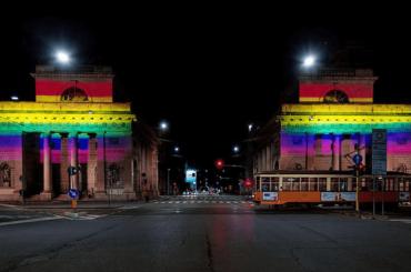 Milano Pride, Porta Venezia diventa ARCOBALENO – foto