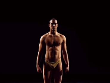 Gabriele Esposito di Amici, è pacco 'danzante' – il video