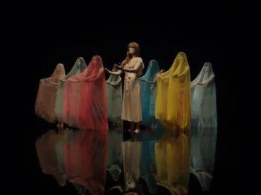 Big God, il nuovo bellissimo video di Florence + The Machine