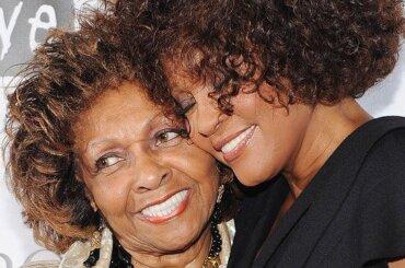 Whitney Houston, la madre nega le presunte molestie della cugina Dee Dee Warwick