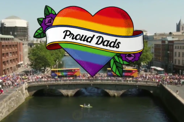 Dublino Pride, autobus rainbow con papà orgogliosi – il video è virale