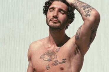'Hai mai pensato di diventare gay?', la risposta Instagram di Stefano De Martino