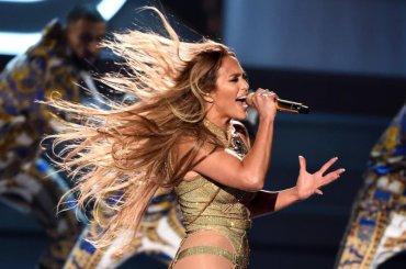 VMA 2018, Jennifer Lopez show per celebrare il Vanguard Award – video