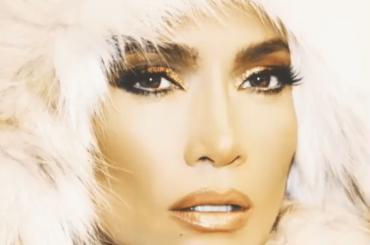 Jennifer Lopez premiata con il Michael Jackson Video Vanguard Award ai VMA 2018