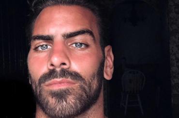 Nyle DiMarco da urlo su Instagram, le foto social in costume da Mykonos