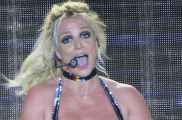 Britney Spears boom al Brighton Pride – è affluenza record, i video