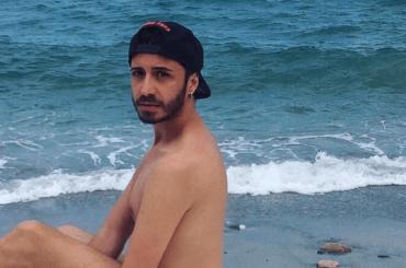 Osvaldo Supino di culo su Instagram, la meravigliosa risposta di Immanuel Casto – foto