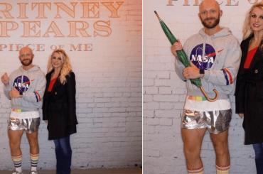 Britney Spears, fan si fa fotografare al suo fianco per poi aggiungere un ombrello con photoshop – foto