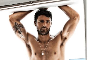 Francisco Porcella nudo su Instagram, la foto da urlo