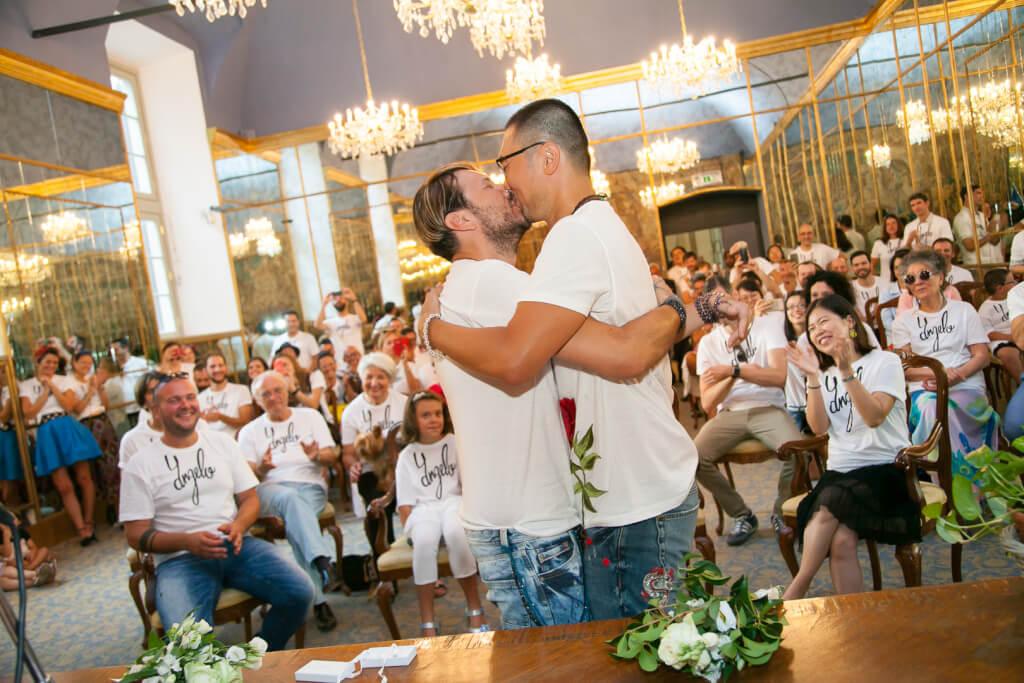 best service 41f0b c9079 Milano, lo stilista Angelo Cruciani ha sposato l'attore Shi ...