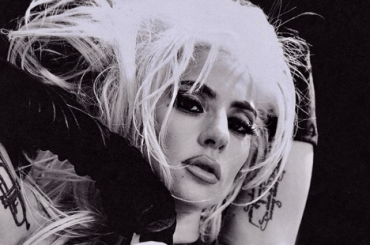 Lady Gaga nuda sui social, le nuove foto