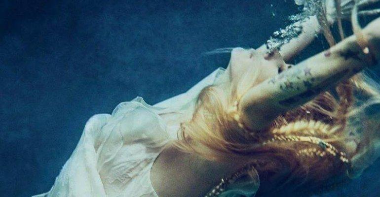 Head Above Water, il nuovo singolo di Avril Lavigne – LYRIC VIDEO