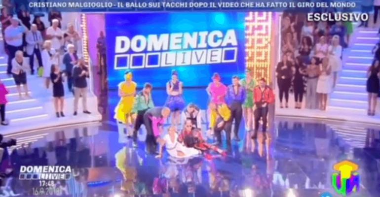 Cristiano Malgioglio frana addosso a Barbara D'Urso, il video