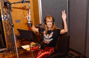 Celine Dion in studio di registrazione (salutando Las Vegas)
