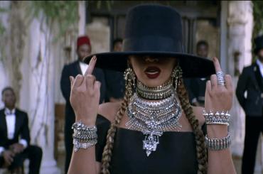 Beyoncé è una strega, l'accusa di Kimberly Thompson: 'mi ha perseguitata con la magia nera'